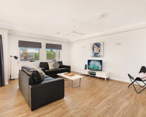 1200-1bed-luxury-coolum-accommodation1