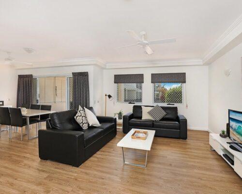 1200-1bed-luxury-coolum-accommodation2