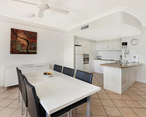 1200-2bed-ground-coolum-accommoation2