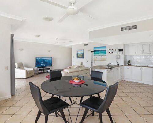 1200-2bed-luxury-coolum-accommodation14