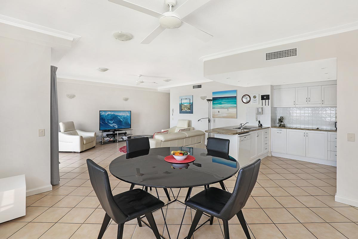 1200-2bed-luxury-coolum-accommodation14