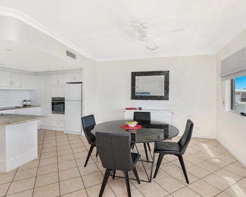 1200-2bed-luxury-coolum-accommodation15