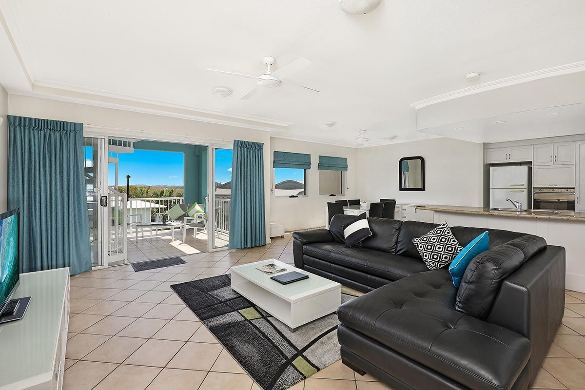 1200-2bed-luxury-coolum-accommodation2