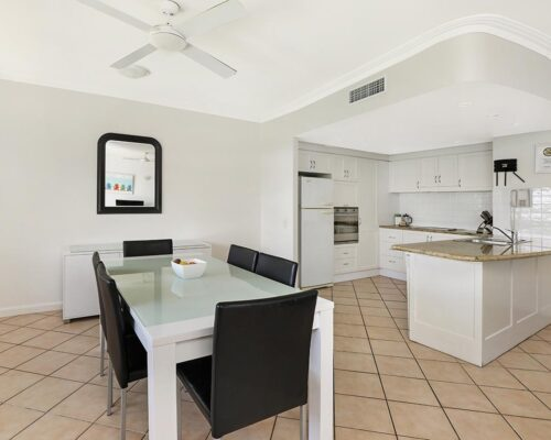1200-2bed-luxury-coolum-accommodation3