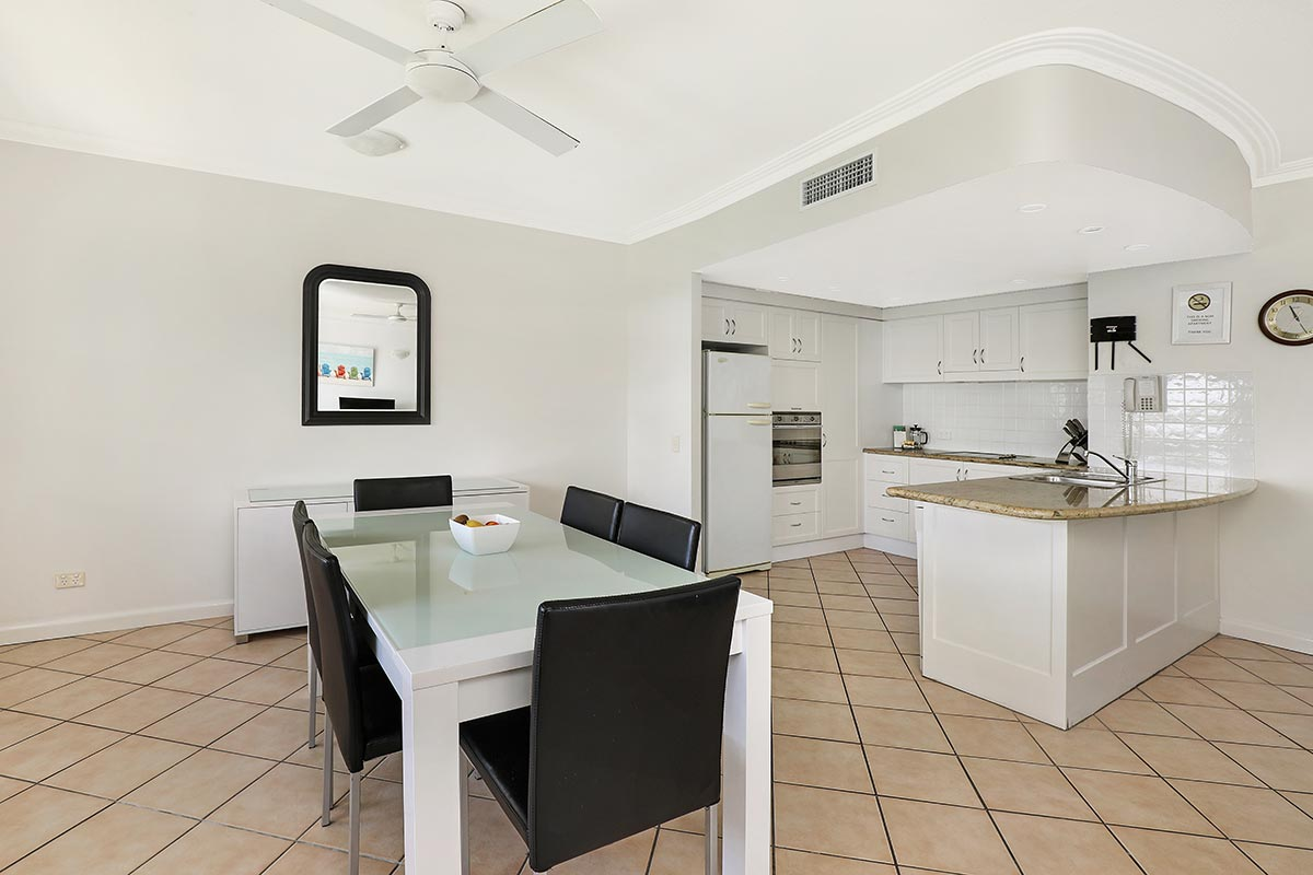 1200-2bed-luxury-coolum-accommodation3