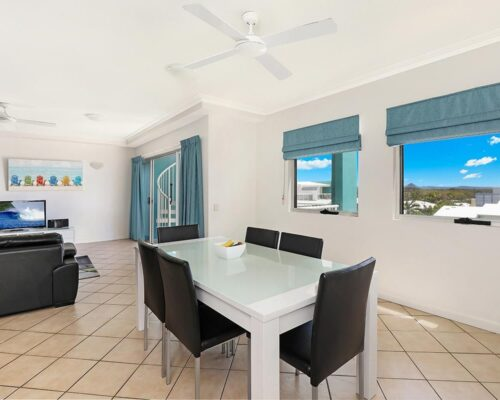 1200-2bed-luxury-coolum-accommodation4