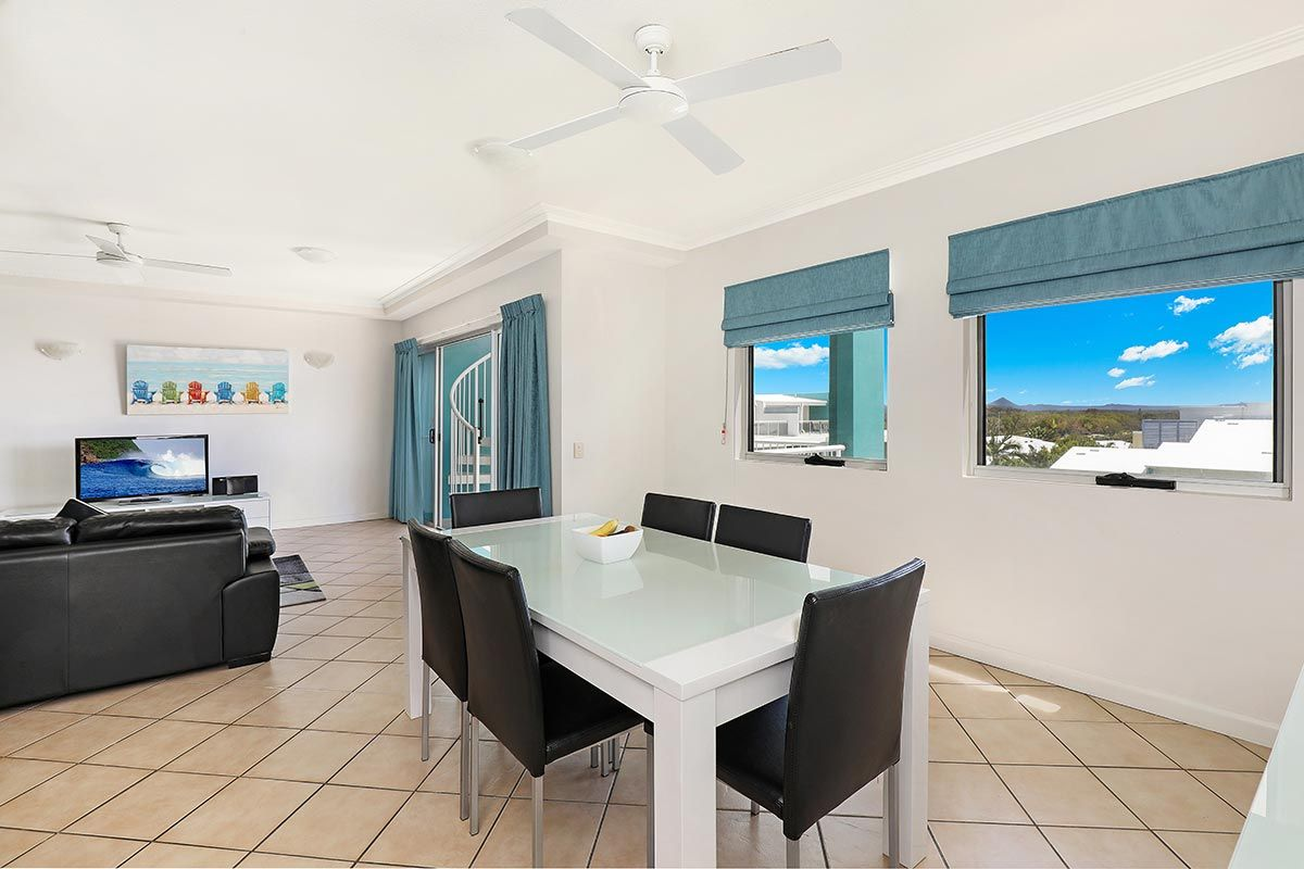 1200-2bed-luxury-coolum-accommodation4