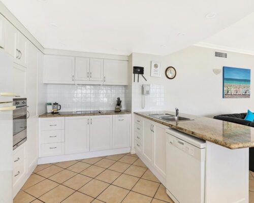1200-2bed-luxury-coolum-accommodation5