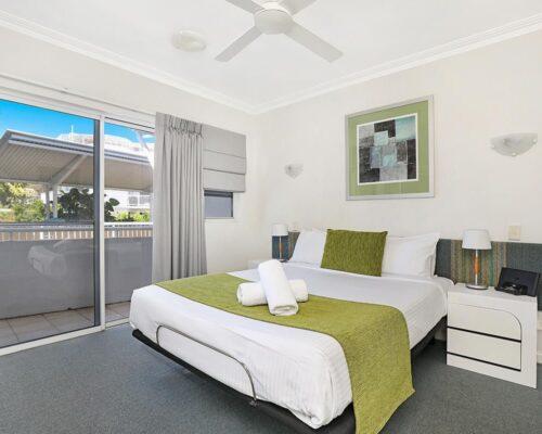 1200-2bed-luxury-coolum-accommodation8