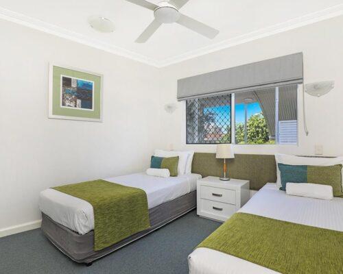 1200-2bed-luxury-coolum-accommodation9