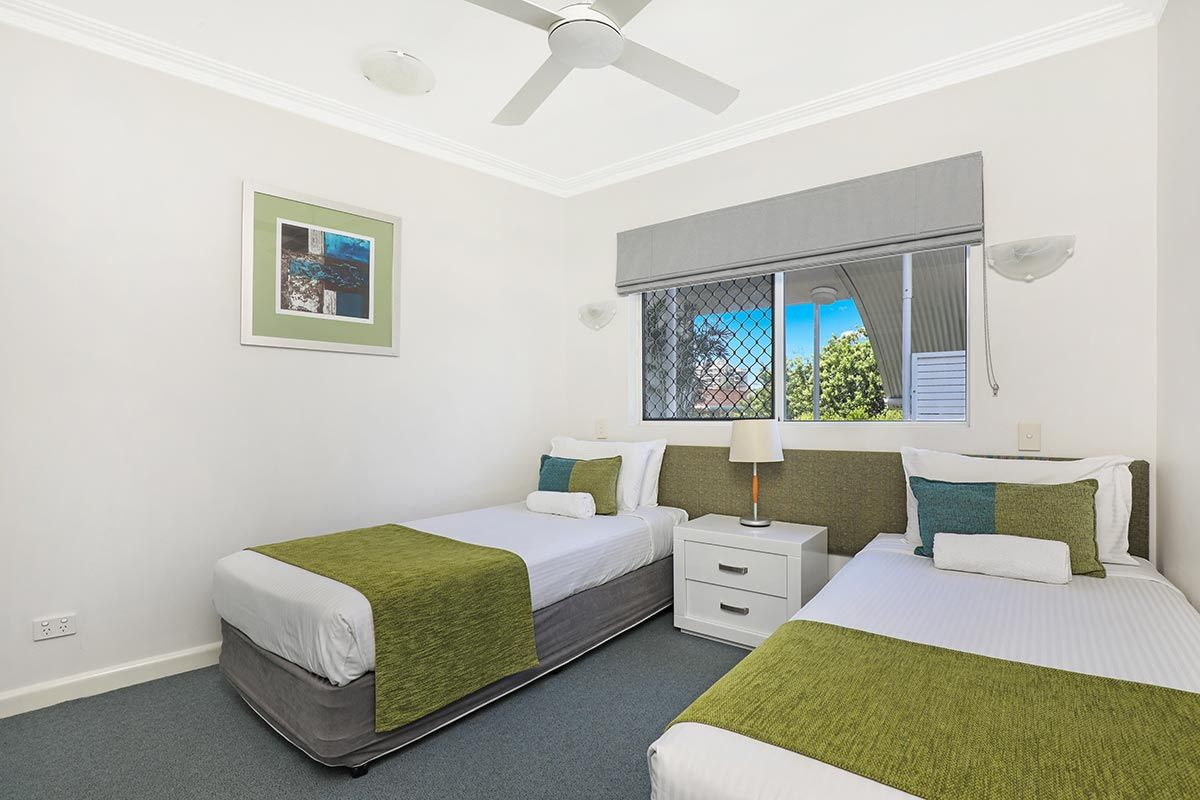 1200-2bed-luxury-coolum-accommodation9