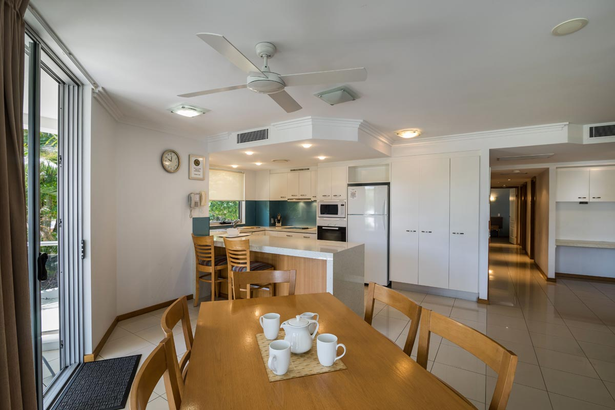 1200-3bed-luxury-coolum-accommodation6