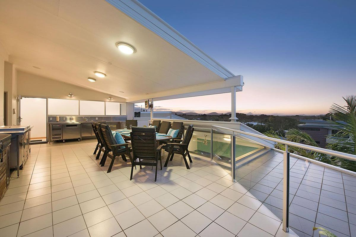 1200-5bed-luxury-coolum-accommodation