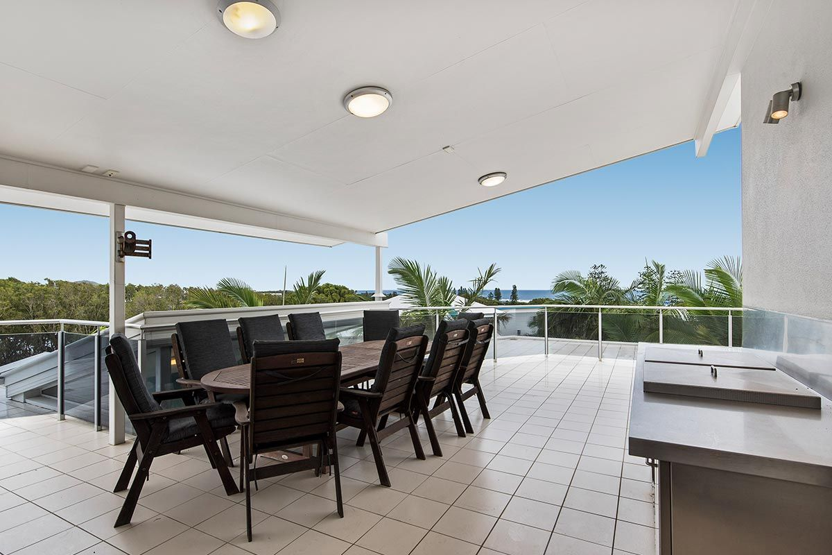 1200-5bed-luxury-coolum-accommodation15