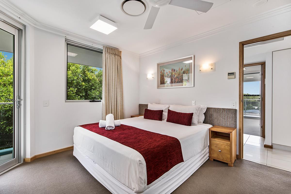1200-5bed-luxury-coolum-accommodation4